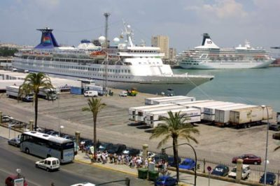 Seville trip from Cadiz for cruise passengers. Tailored private tours from Cadiz Port