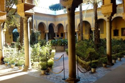 Dueñas Palace guided tour in Seville