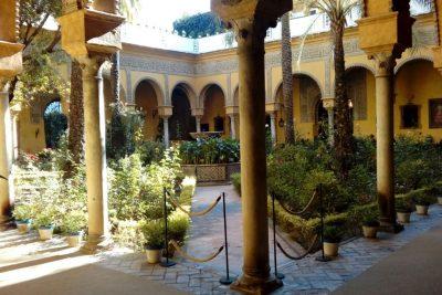 Visita guiada Palacio de Dueñas en privado Sevilla