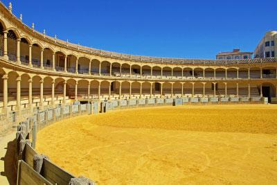 Excursión privada a Ronda y Zahara de la Sierra desde Sevilla